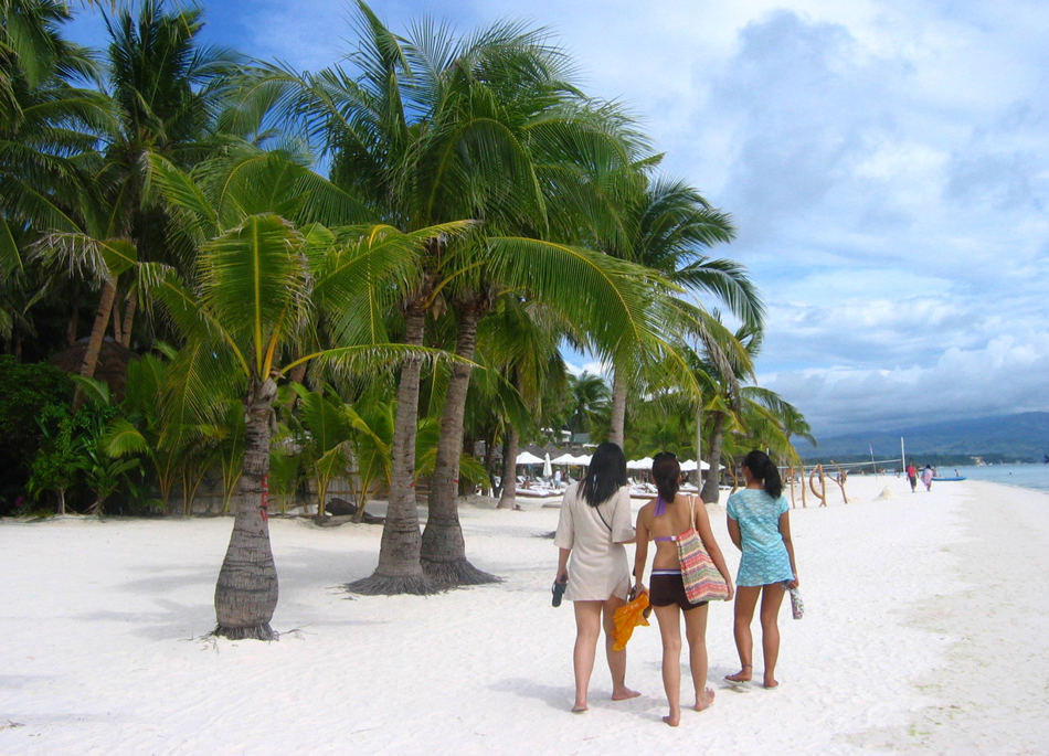 walking-on-boracay-freeimages